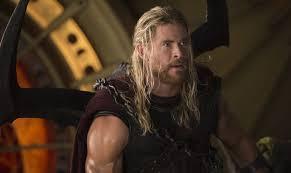 Thor: Ragnarok คิดว่าฮีโร่เป็นเรื่องไร้สาระ